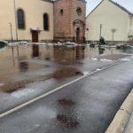 Les flaques sur le parking de l'Eglise